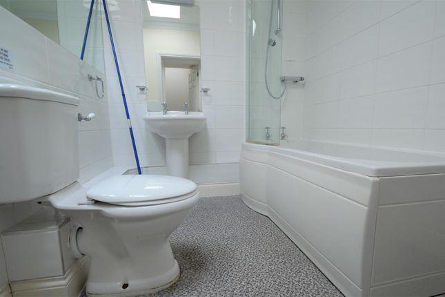 Bathroom of Bull Lane, Newington, Sittingbourne ME9