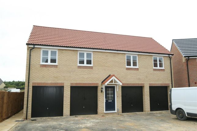 Thumbnail Flat to rent in Farrer Way, Barleythorpe, Oakham