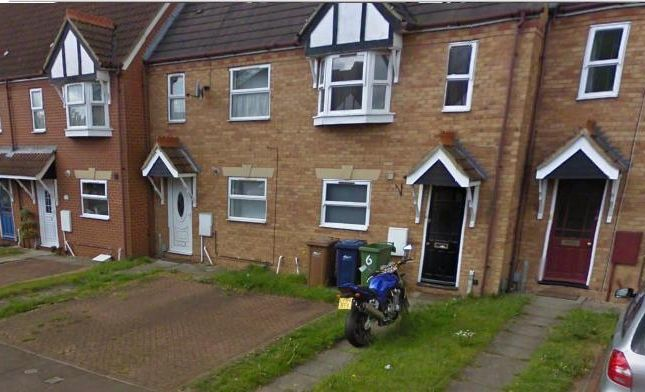 Thumbnail Terraced house to rent in Pinewood Avenue, Whittlesey