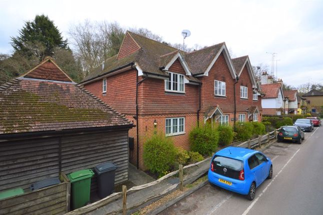 Thumbnail Cottage to rent in Arford Road, Headley, Bordon