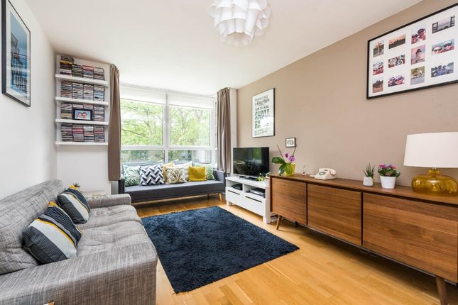 1 bed flat to rent in Harfield Gardens, Grove Lane, London