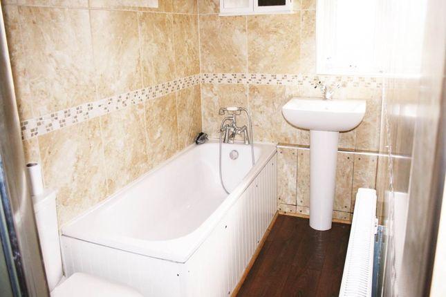 Bathroom of More Avenue, Aylesbury, Buckinghamshire HP21