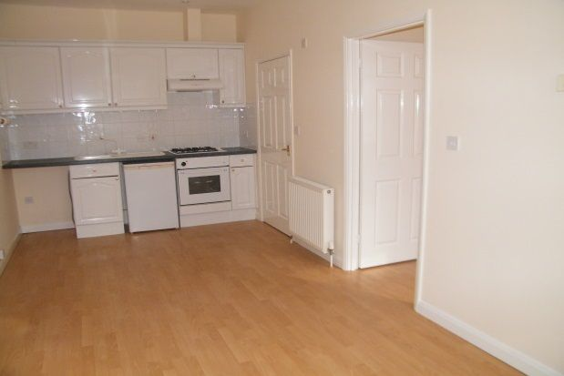 Thumbnail Flat to rent in Parsons Mead, Abingdon