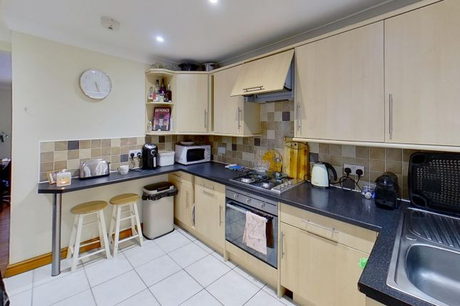1 bed property to rent in Newland Street, Broadwater, Worthing BN11