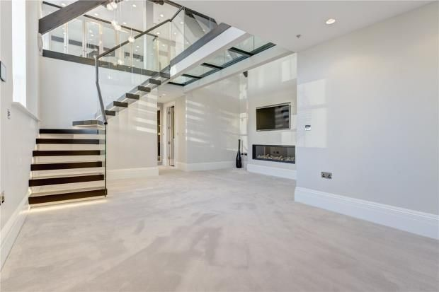 Thumbnail End terrace house to rent in Bridge Lane, Battersea, London