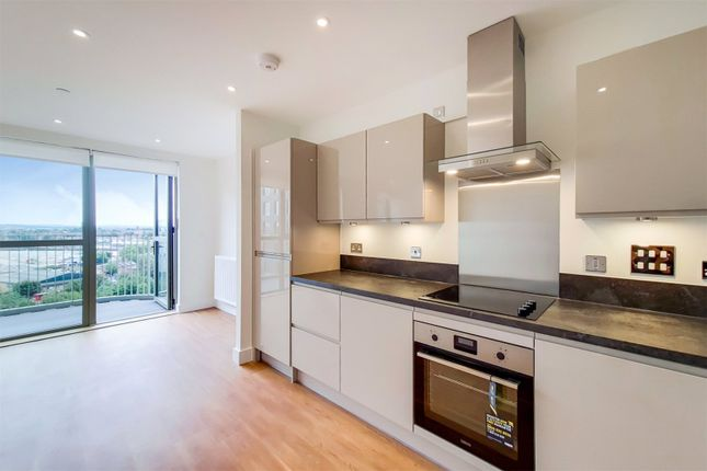 Thumbnail Flat to rent in 23 Green Street, London