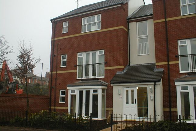Thumbnail Flat to rent in Huxley Court, Stratford-Upon-Avon