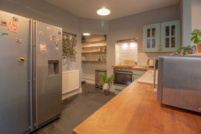 Kitchen of College Street, Long Eaton, Nottingham NG10