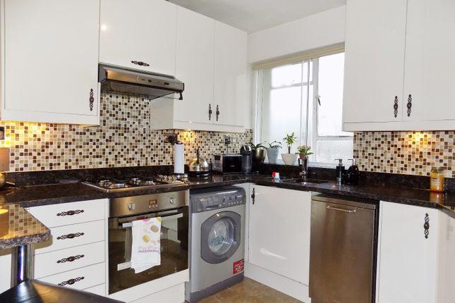 Thumbnail Flat to rent in Willesden Lane, Brondesbury