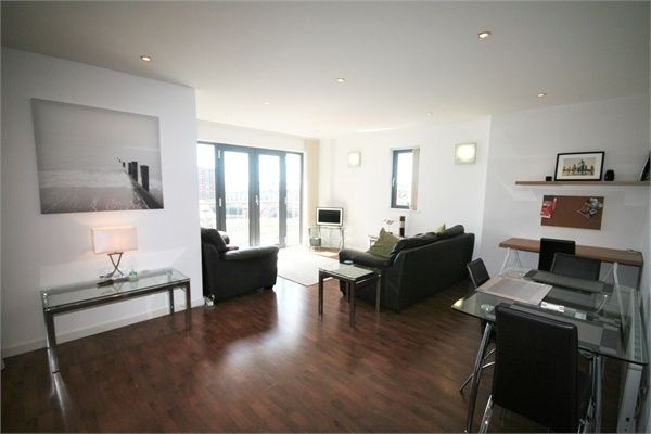 2 bed flat to rent in South Quay, Kings Road, Swansea SA1