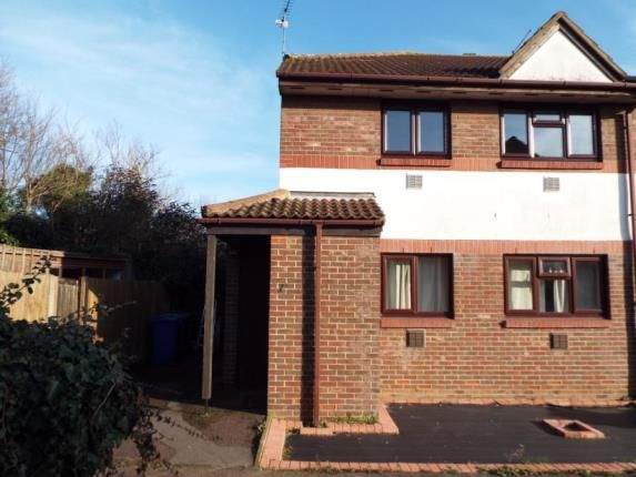2 bed maisonette for sale in Cartel Close, Purfleet