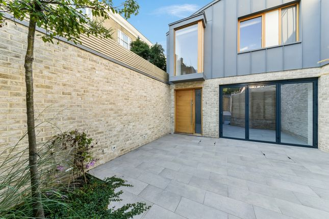 Thumbnail Semi-detached house to rent in Townley Street, Elephant & Castle, London