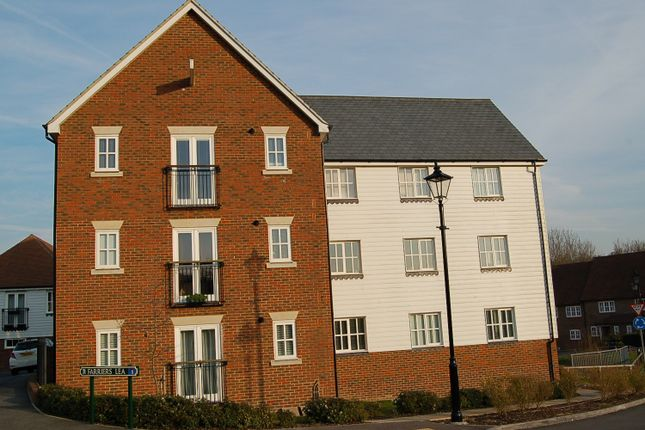 2 bed flat to rent in Farriers Lea, Haywards Heath RH16
