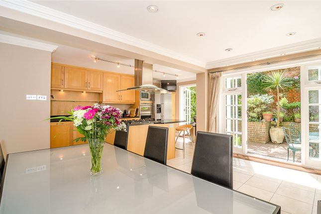 Picture No. 40 of Hampton Court Road, East Molesey KT8
