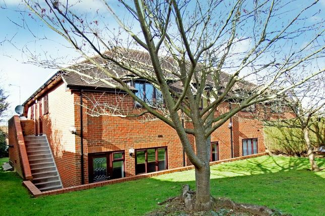 Thumbnail Maisonette to rent in The Spinney, Ripley Road, Send, Woking