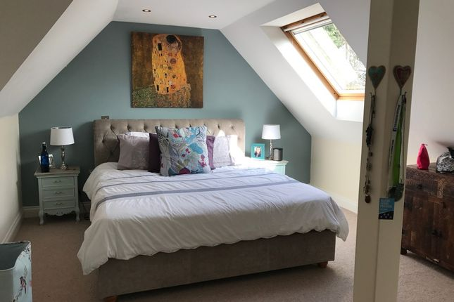Thumbnail Flat for sale in Roedean House, Redhill, Surrey