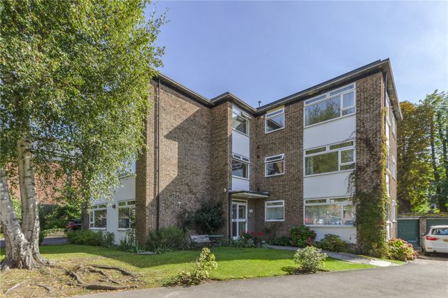1 bed flat to rent in Prentice Court, Leopold Avenue, Wimbledon SW19