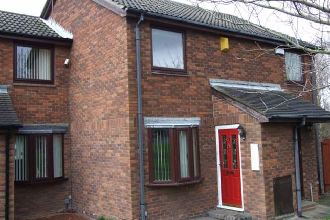 2 bed property to rent in Stuart Court, Newcastle Upon Tyne NE3