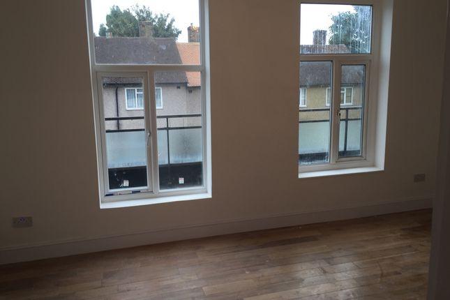 Thumbnail Flat to rent in Holburne Road, Blackheath