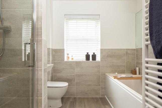 "Manning Bathroom of ""Manning"" at West Yelland, Barnstaple EX31"
