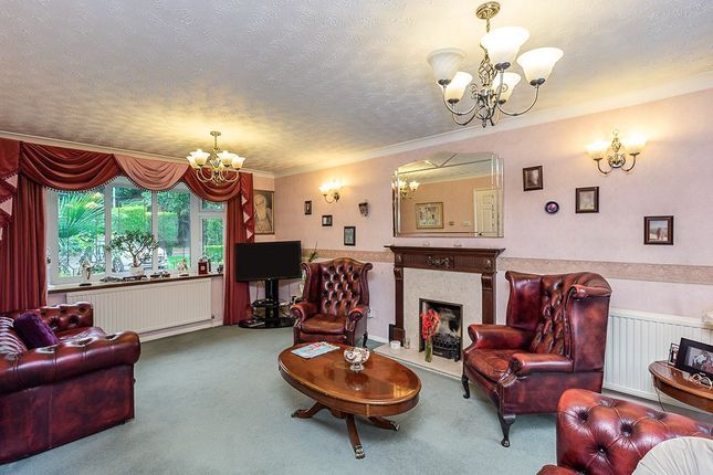 Lounge of Trinity Walk, Pancake Lane, Leverstock Green, Hemel Hempstead, Hertfordshire HP2