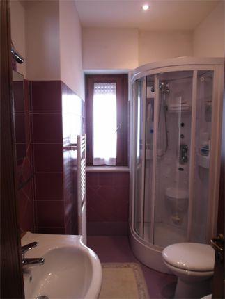 Guest Bathroom of Ground Floor Apartment, Anghiari, Arezzo, Tuscany, Italy