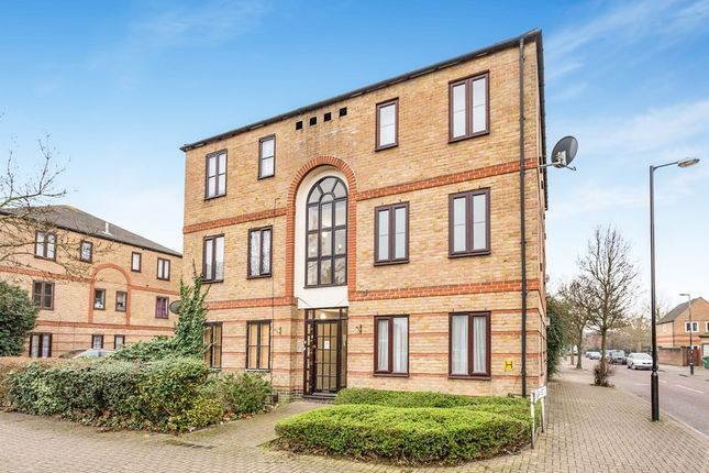 1 bed flat to rent in Peridot Street, London