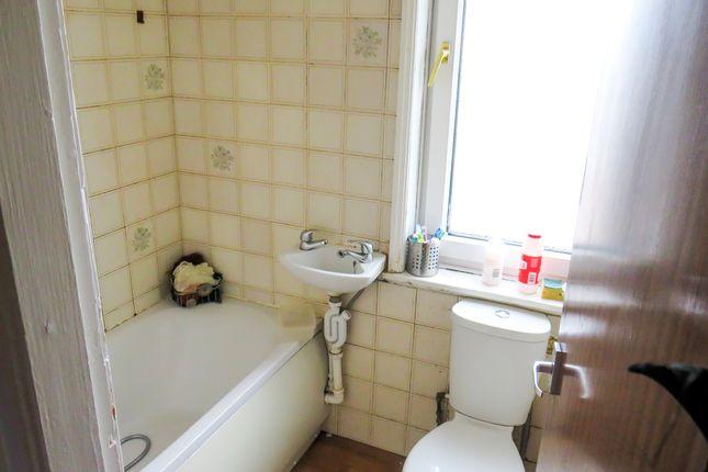 Bathroom of Hartley Brook Road, Sheffield S5