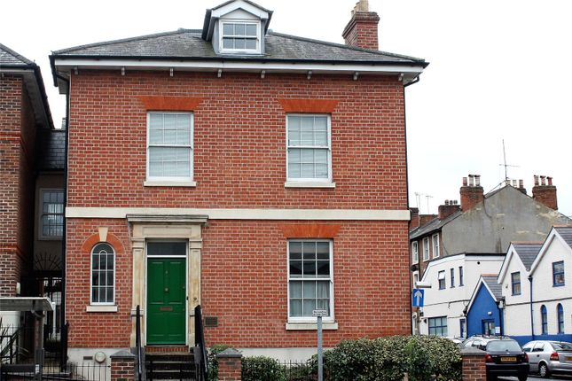 Thumbnail Flat for sale in Phoenix House, 125 Oxford Road, Reading, Berkshire
