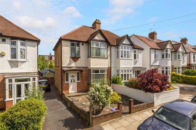 3 bed property for sale in Elm Walk, Raynes Park