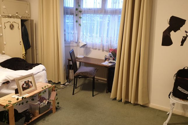 Thumbnail Flat to rent in The Lindens, Canterbury Drive, Brighton