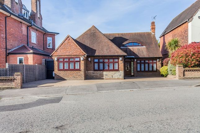 Thumbnail Bungalow for sale in Woodside Road, Woodford Green