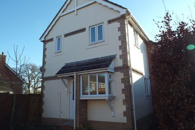 Thumbnail Terraced house to rent in Holmes Close, Chippenham