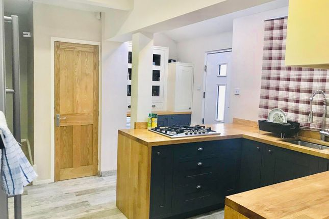 Thumbnail Property to rent in Stanningley Road, Bramley, Leeds
