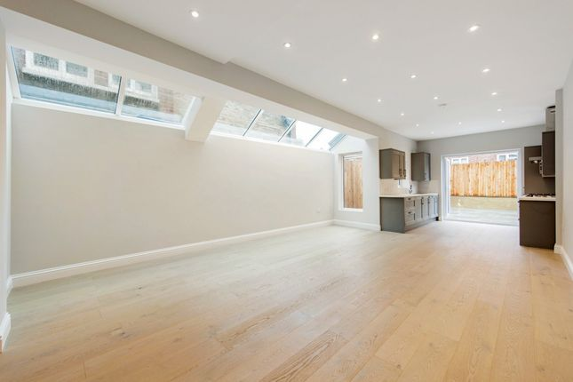 Thumbnail Flat for sale in Kingswood Road, London, London