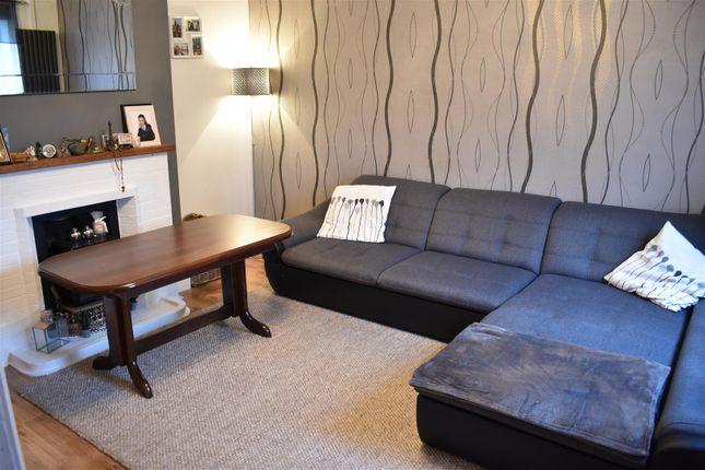 Living Room of Glebeland Road, Northampton NN5
