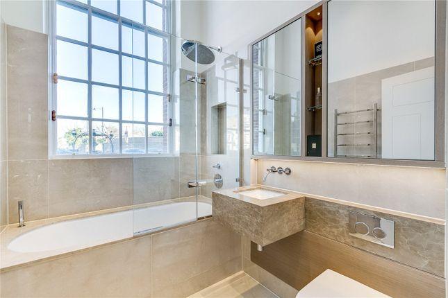 Bathroom of Star & Garter House, Richmond Hill, Richmond TW10