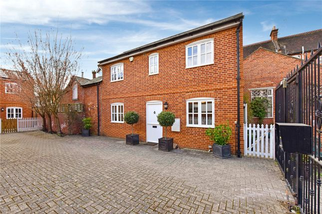 Thumbnail Mews house to rent in Barlows Mews, Henley-On-Thames, Oxfordshire