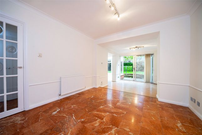 Town house to rent in Avenue Road, St John's Wood