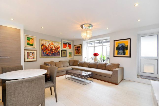 2 bed flat to rent in Sussex Place, Hyde Park Estate