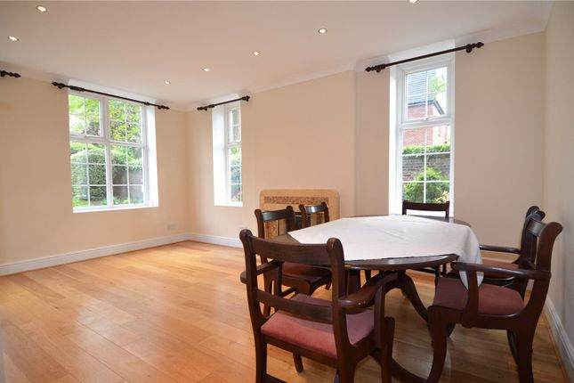 2 bed flat to rent in Rutland Court, Denmark Hill, London SE5