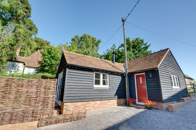 Thumbnail Cottage to rent in East Hall Hill, Boughton Monchelsea, Maidstone, Kent