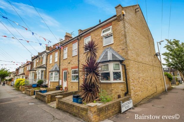 Thumbnail Property to rent in Woodville Road, South Woodford