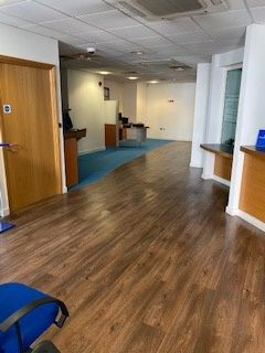 Office for sale in St George Wharf, London