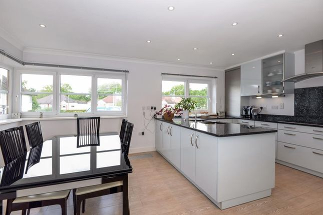 Thumbnail Detached house to rent in Surrey Close, Finchley N3,