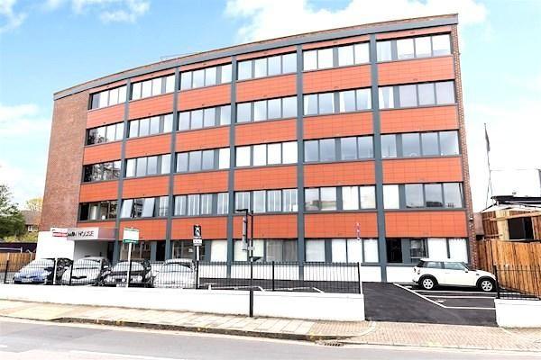 2 bed flat to rent in Baldwin House, Gayton Road, Harrow On The Hill, Harrow