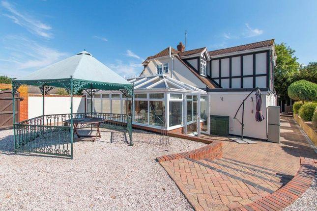 Picture No. 23 of Claverhambury Farm, Claverhambury Road, Waltham Abbey, Essex EN9