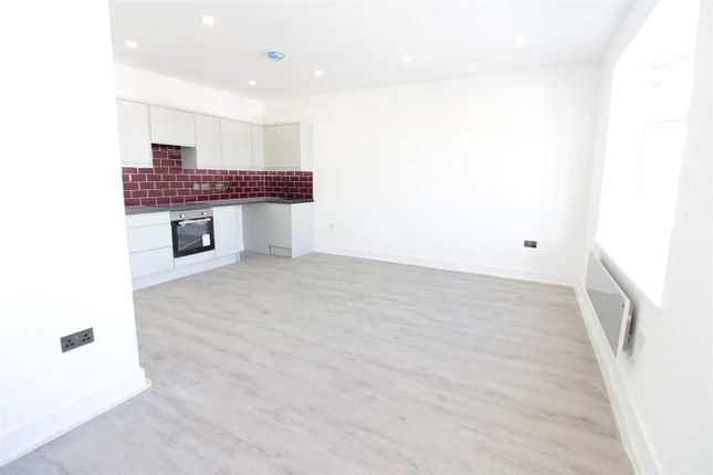 Thumbnail Flat for sale in High Street, Hadleigh, Essex