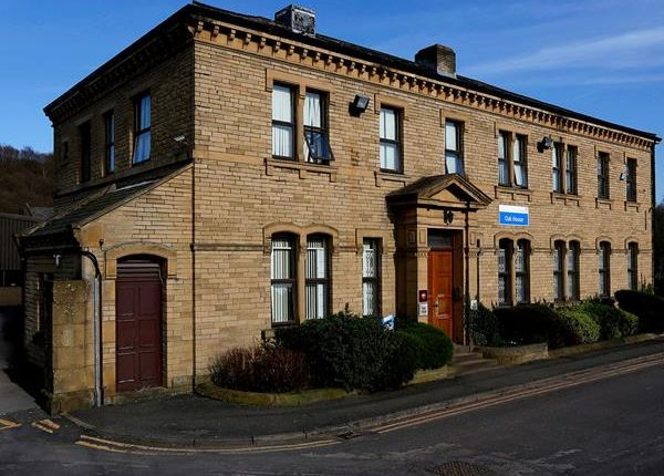 Thumbnail Office to let in Oak House, Woodvale Office Park, Woodvale Road, Brighouse