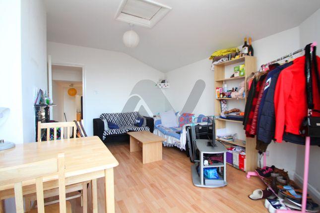 Thumbnail Maisonette to rent in High Street, Barnet